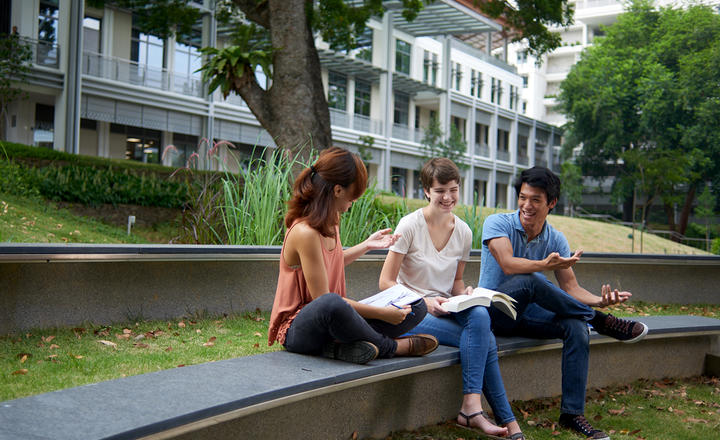 Students on the Yale-NUS campus